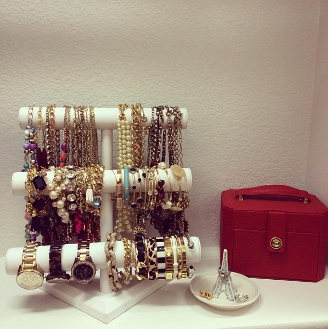 tier jewellery stand