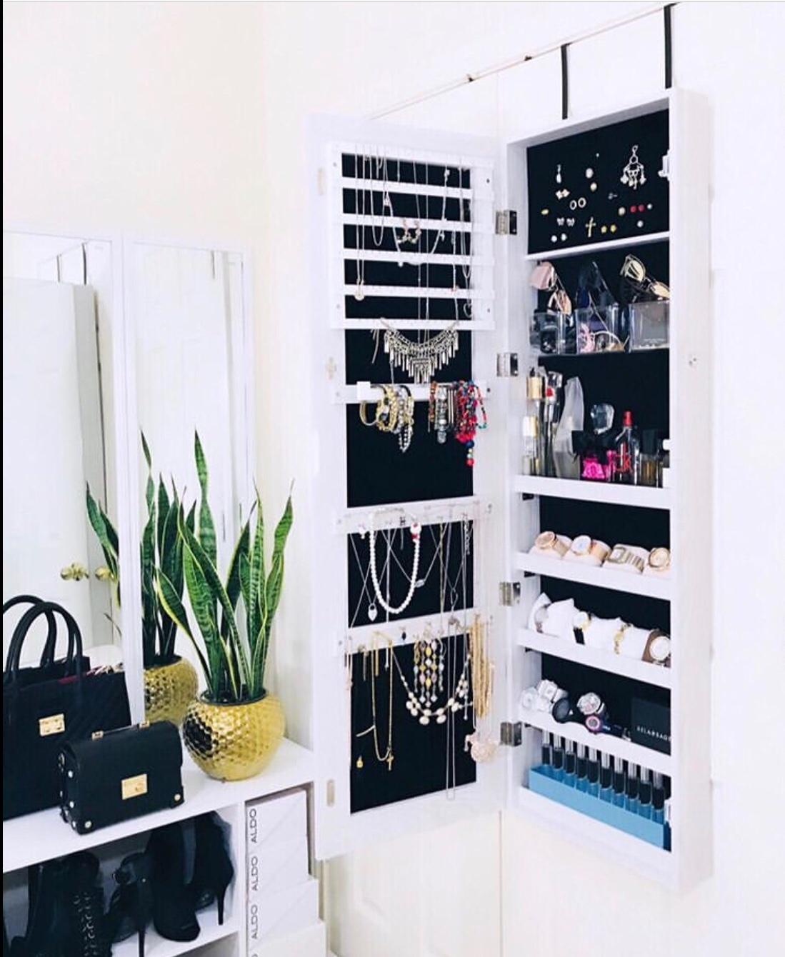 wall cabinet jewellery organizer
