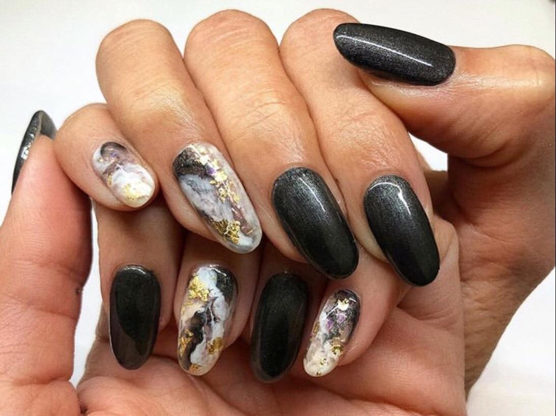 dark winter nails 2020