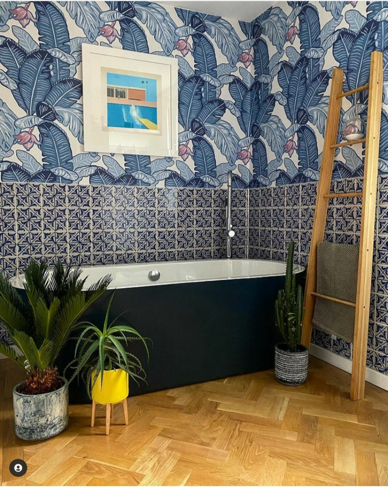 decorate your bathroom with blue