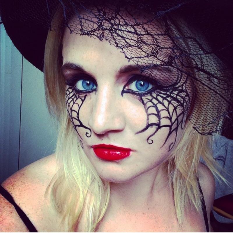 Sexy Halloween makeup