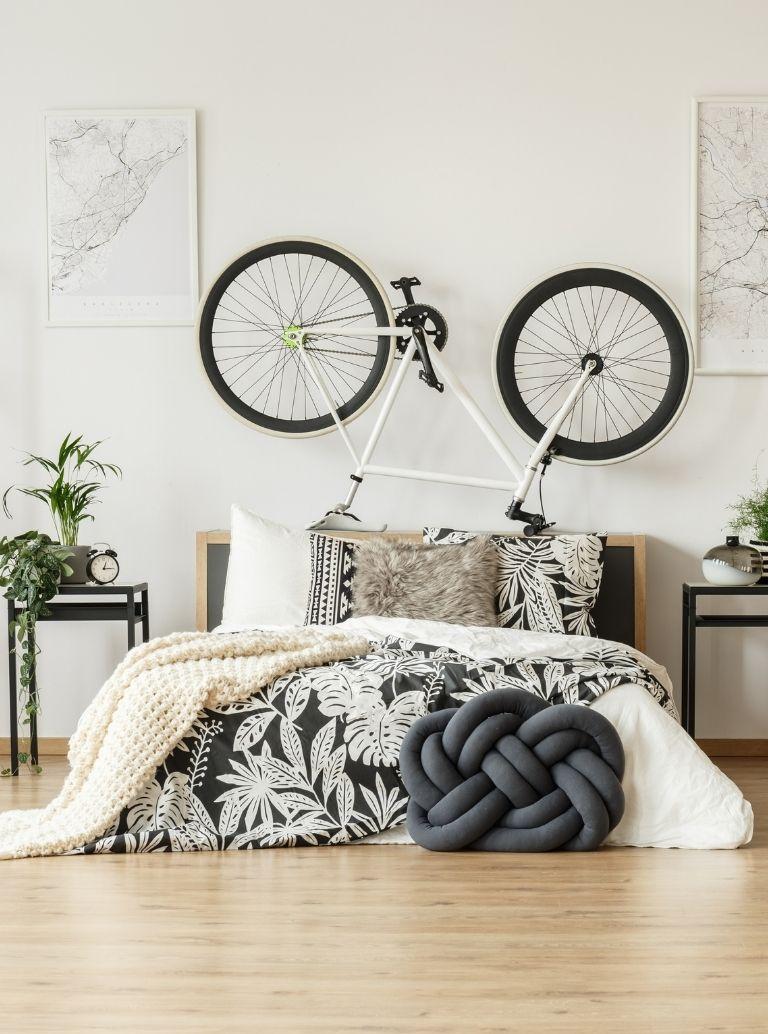 black and white bedroom decor ideas