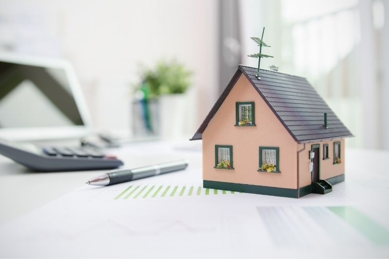 Should I Refinance My Home in 2021?